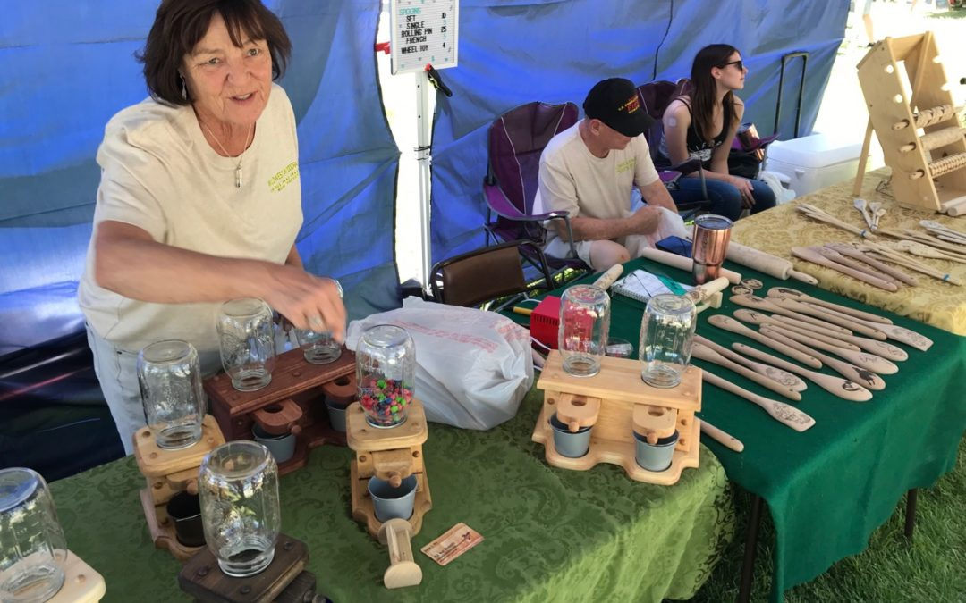 Art Enthusiasts Pack Metcalfe Park For Festival Event