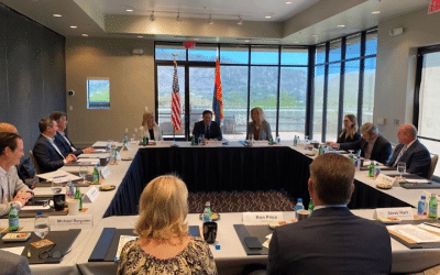 Governor Joins Tourism & Lodging Leaders For Roundtable